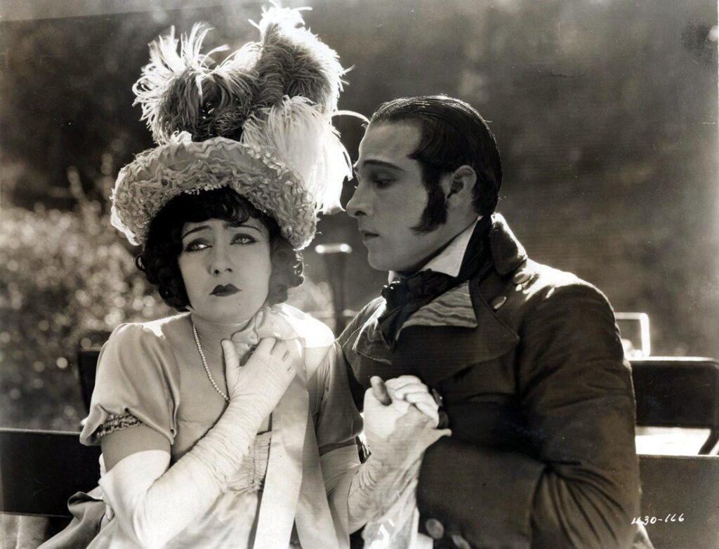 Gloria Swanson en Rudolph Valentino in Beyond the Rocks